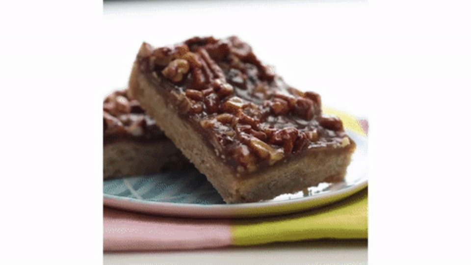 Thanksgiving Dessert Pecan Pie Bars