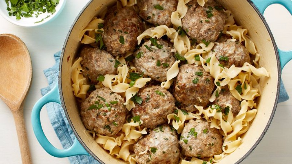 One Pot Swedish Meatballs with Egg Noodles