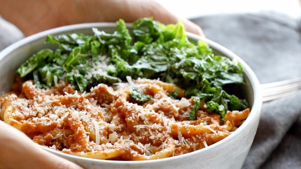 Creamy Pumpkin Spaghetti with Garlic Kale Recipe Video