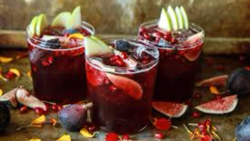 Autumn Sangria with Apples, Pomegranate and Figs